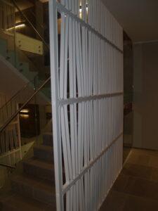 klaaspiirded metallpiirded metkon veerenni korterelamu tallinnas